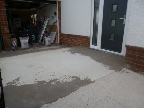 Concrete in readiness for resin bonded stone